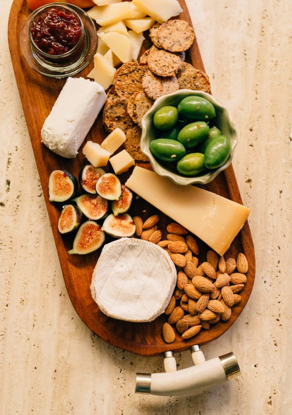 How to Create a Beautiful Cheese Board