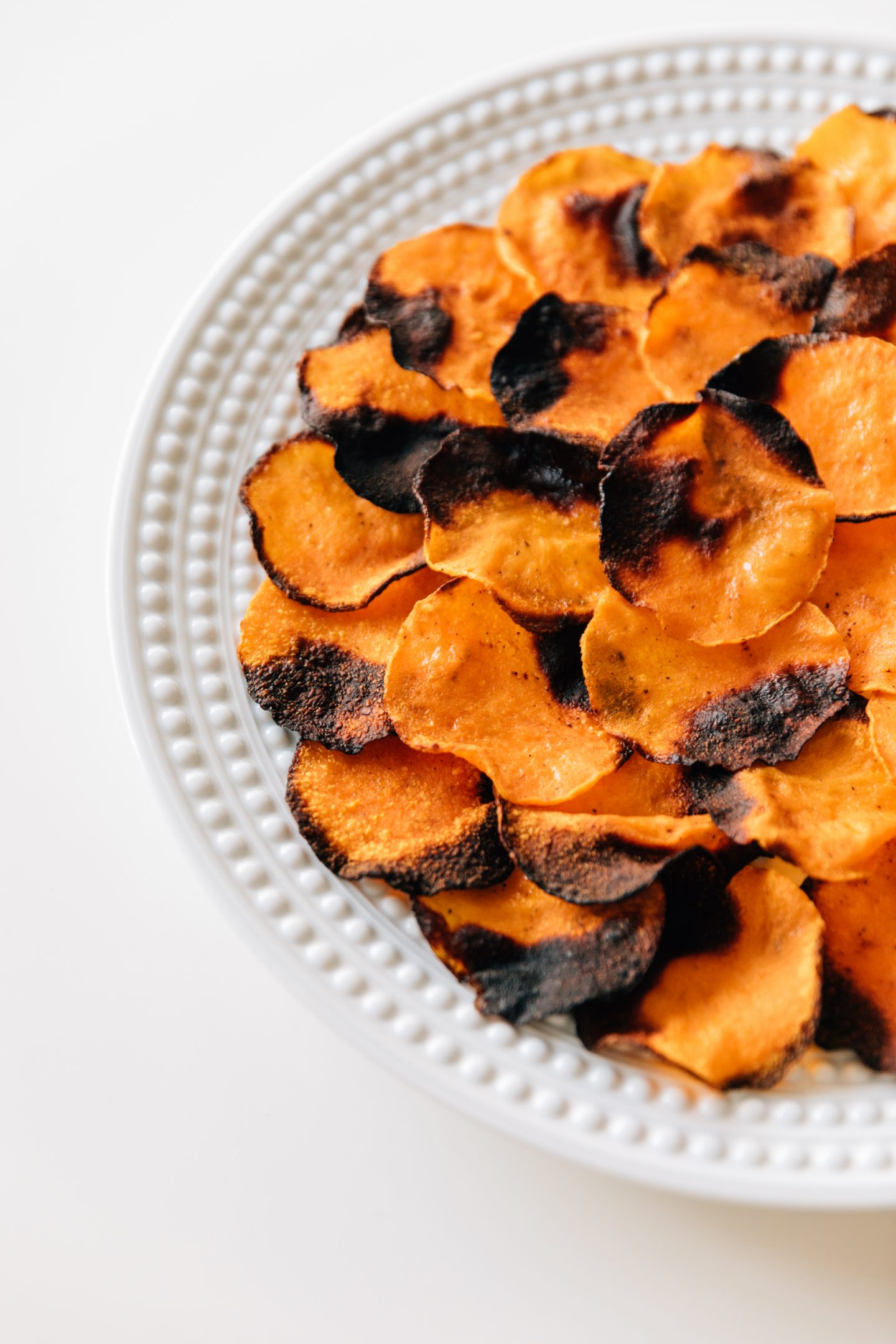 How to Prepare Vegetable Chips Without the Calories